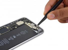 iPhone 6 Plus. Замена батареи телефона.