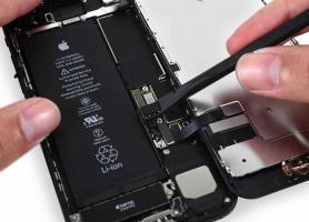 iPhone 7. Замена аккумулятора.