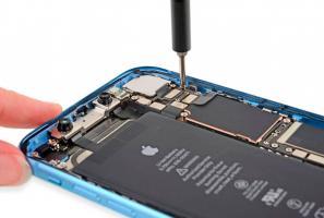 iPhone XR. Аккумулятор не держит заряд.